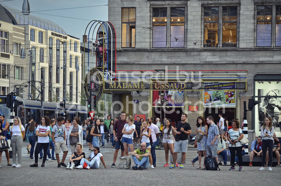 Crowd at the Madame Tussauds Museum - Adam Szuly Photography