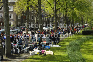 The crowd on the flee market - Adam Szuly Photography