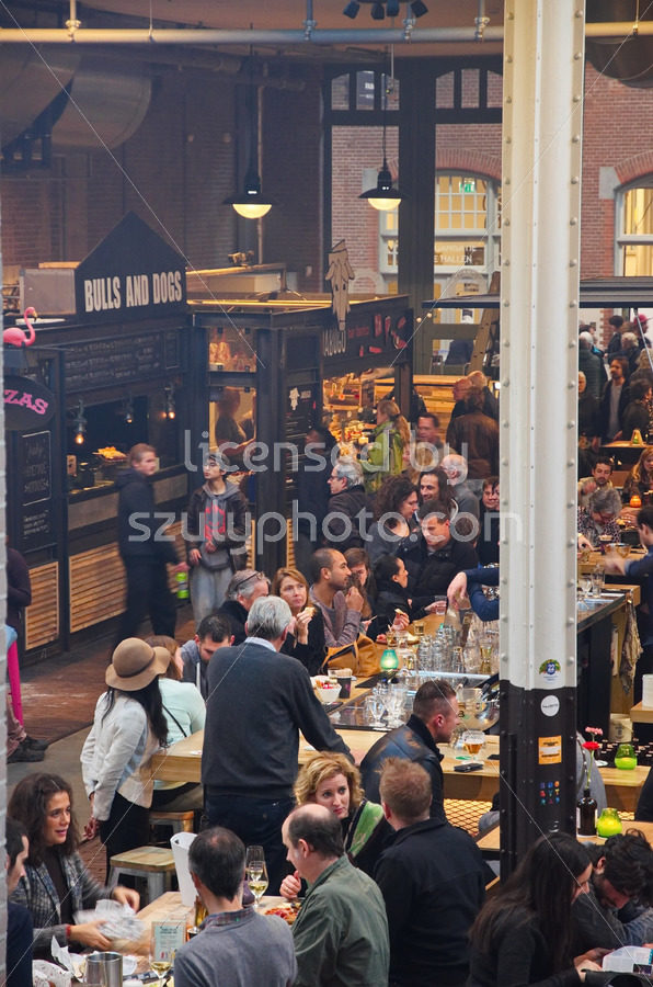 The crowded Food Hallen - Adam Szuly Photography