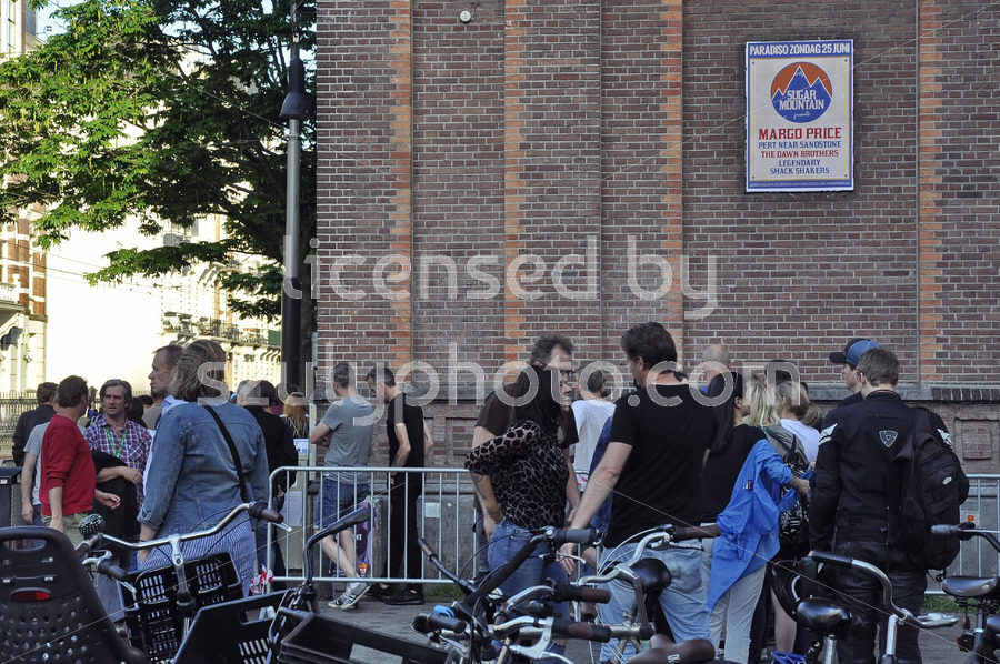 The queue at the Paradiso music hall - Adam Szuly Photography