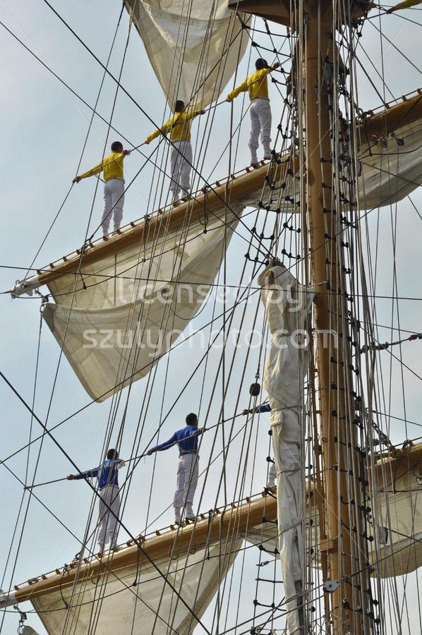 The sailors of the ARC Gloria on the masts - Adam Szuly Photography