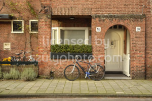 Amsterdam school style residential entrance - Adam Szuly Photography