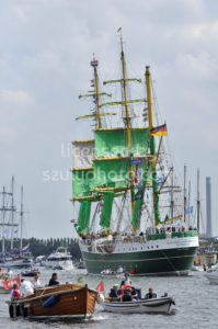 Back view of the Alexander von Humboldt tall ship - Adam Szuly Photography