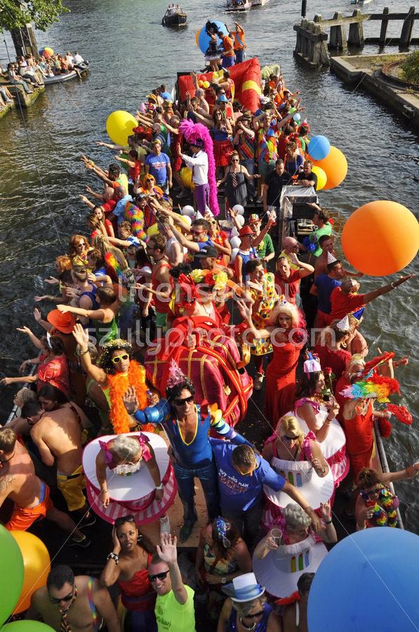 Balloon party on the boat parade - Adam Szuly Photography