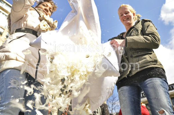 Emptying on pillow fight day in Amsterdam - Adam Szuly Photography