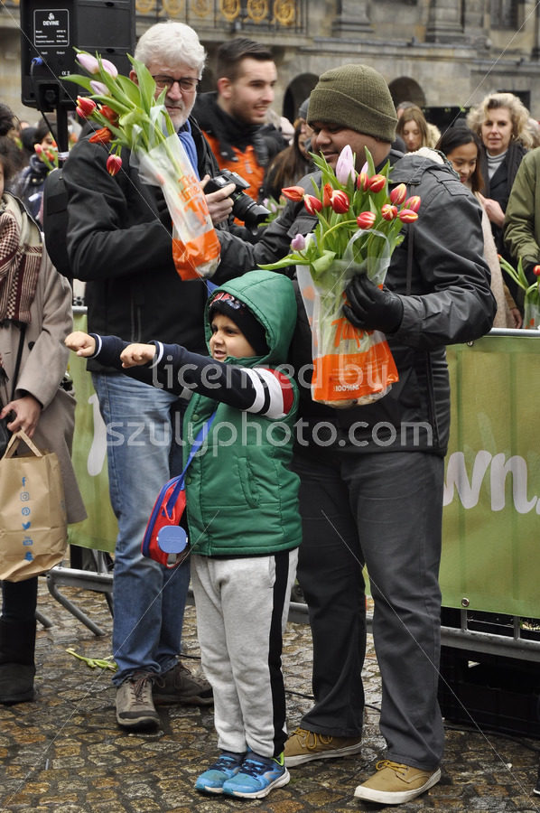 Father and son at the National Tulip Day - Adam Szuly Photography