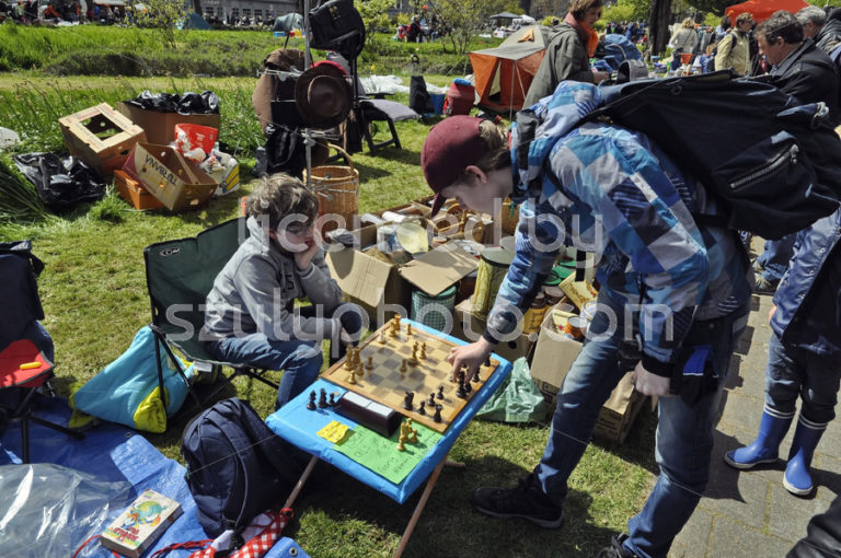 Flee market chess players - Adam Szuly Photography