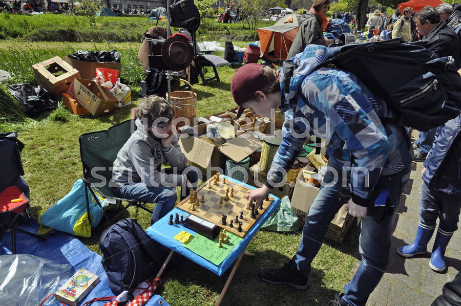 Flee market chess players - Adam Szuly Photography