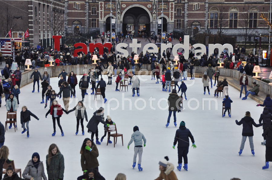 Ice skating on the Museumplein - Adam Szuly Photography