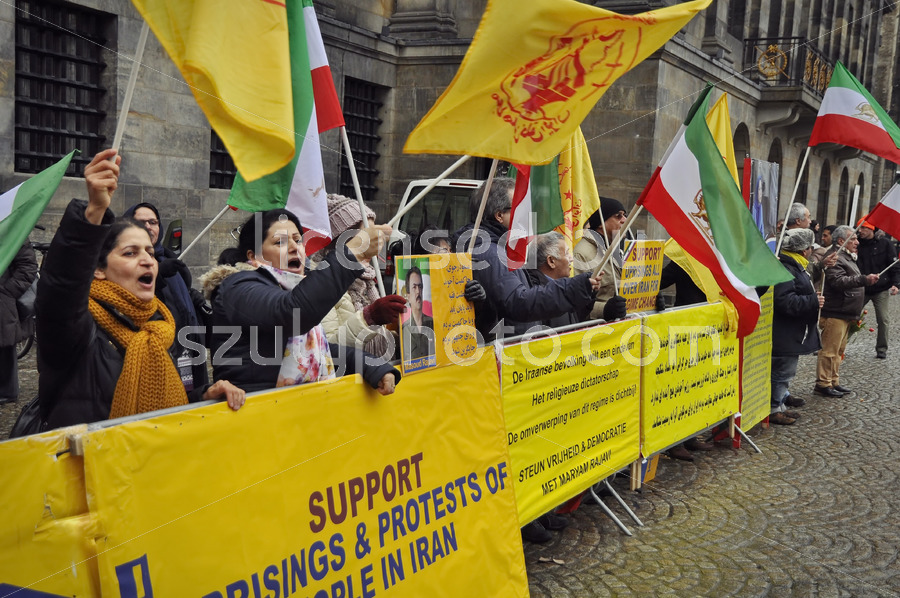 Iran protesters at the Royal Palace, Dam Square - Adam Szuly Photography