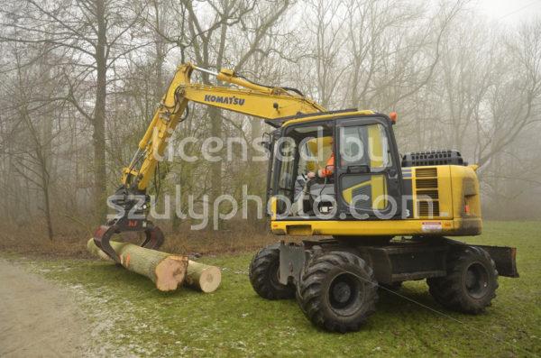 Komatsu heavy machinery side view - Adam Szuly Photography