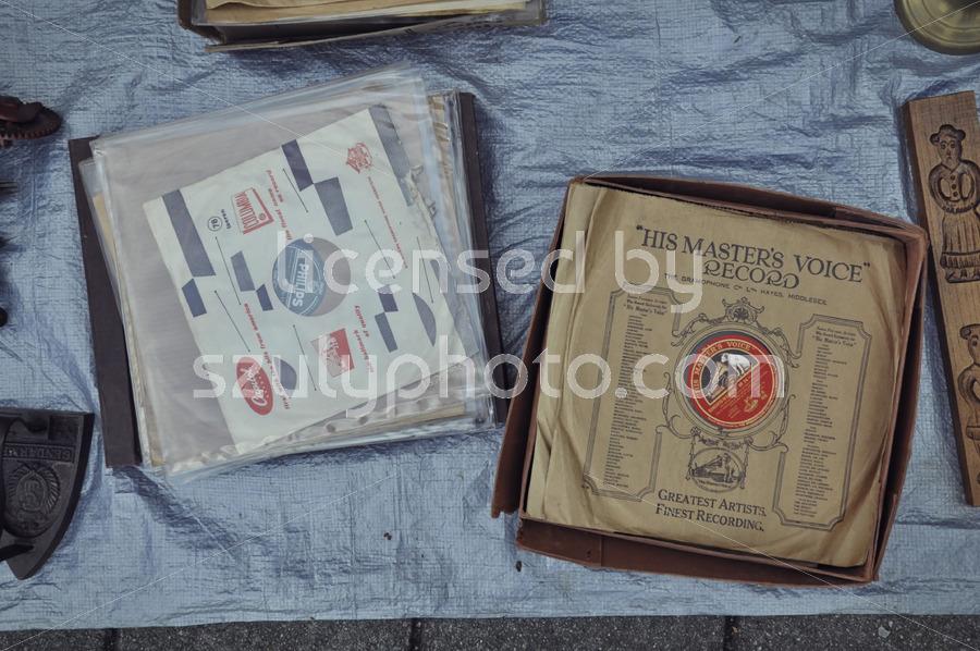 Old 78 gramophone records - Adam Szuly Photography