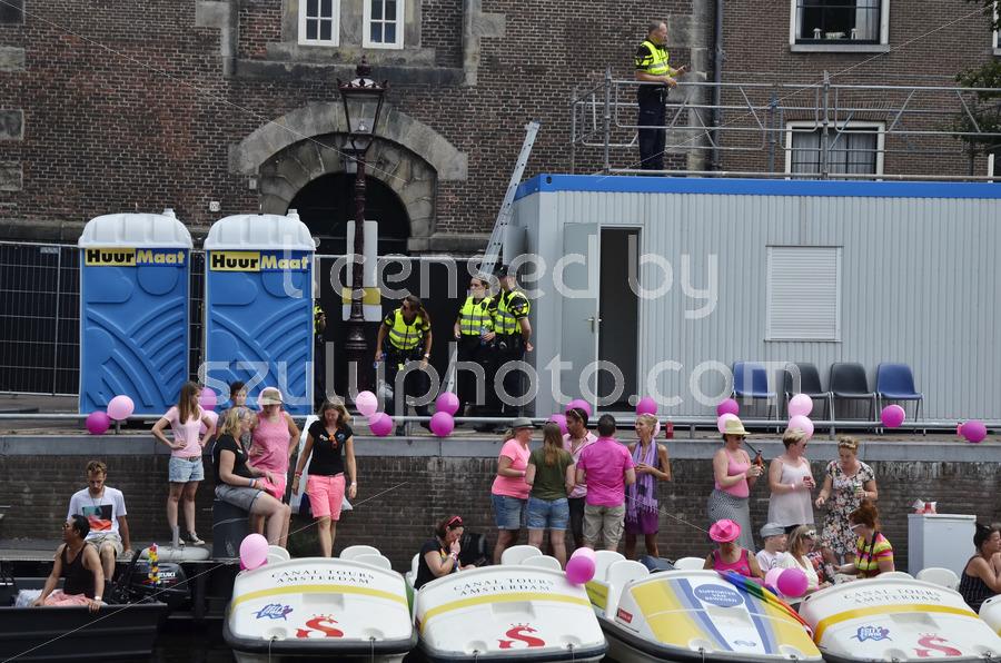 Pedalos on the Prinsengracht - Adam Szuly Photography