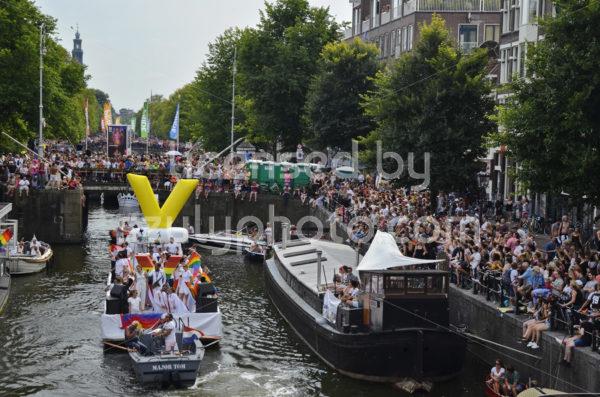 Pride Amsterdam Boat Parade 2018 – VEON boat - Adam Szuly Photography