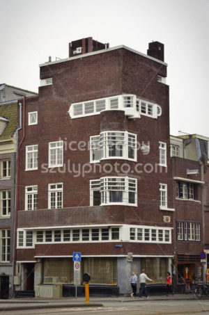 Red brick residential building on the Vijzelstraat - Adam Szuly Photography