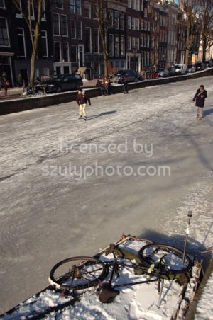 Skaters on the Frozen Canals - Adam Szuly Photography