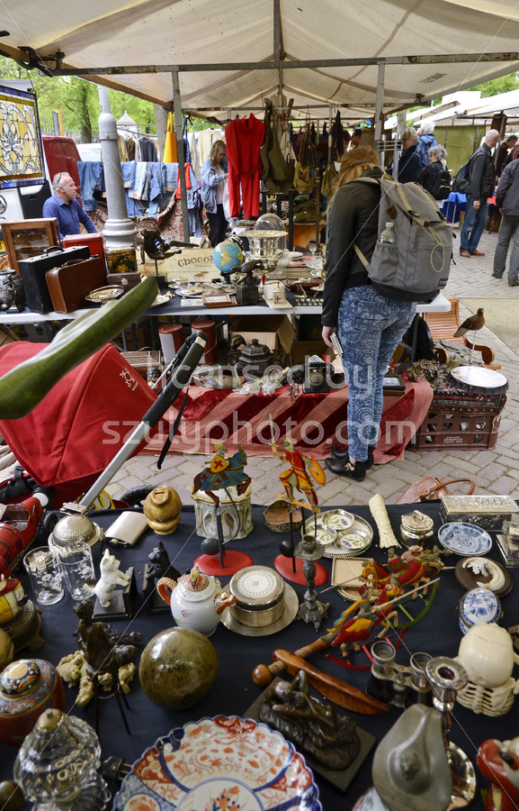Table of an antique vendor on the Noordermarkt - Adam Szuly Photography