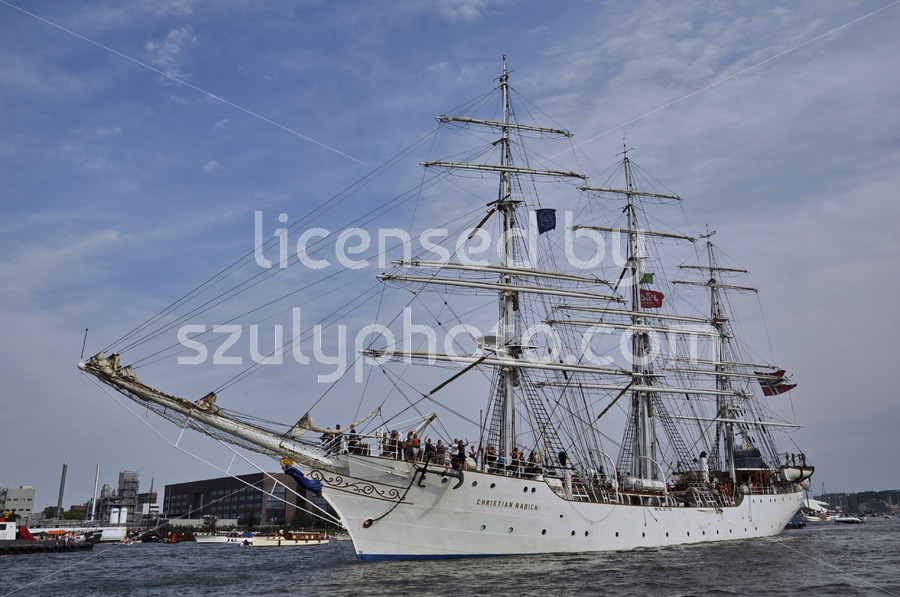The Christian Radich leaving the Ijhaven - Adam Szuly Photography