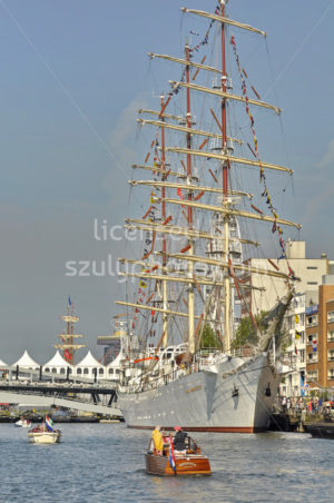 The Dar Mlodziezy tall ship in the Ijhaven - Adam Szuly Photography