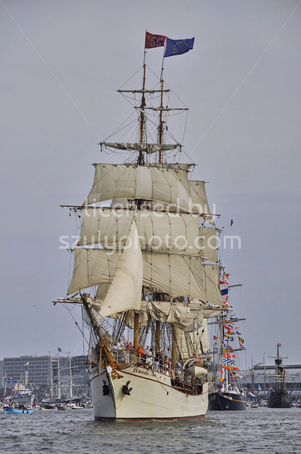 The Europa on the Ij river - Adam Szuly Photography