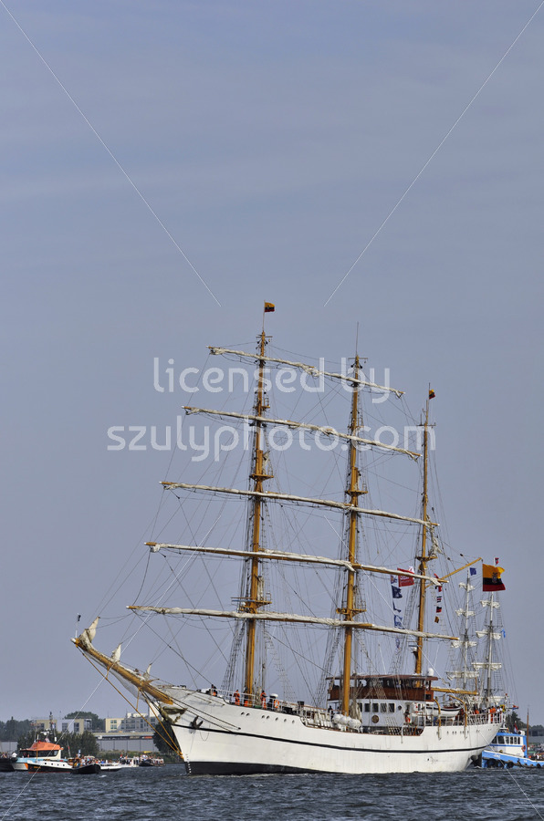 The Guayas leaving Amsterdam - Adam Szuly Photography
