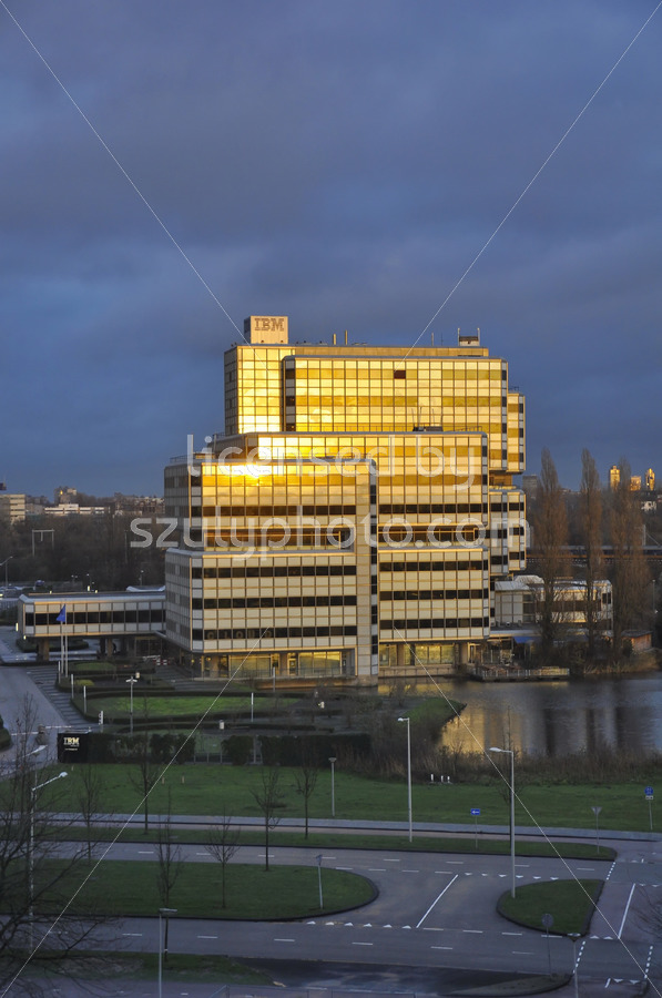 The IBM Building at the time of sunset - Adam Szuly Photography
