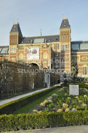 The Rijksmuseum through the garden - Adam Szuly Photography