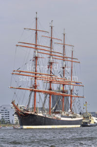 The Sedov leaving Amsterdam - Adam Szuly Photography