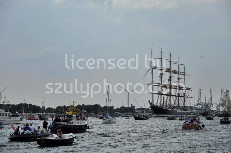 The Sedov tall ship among spectators - Adam Szuly Photography