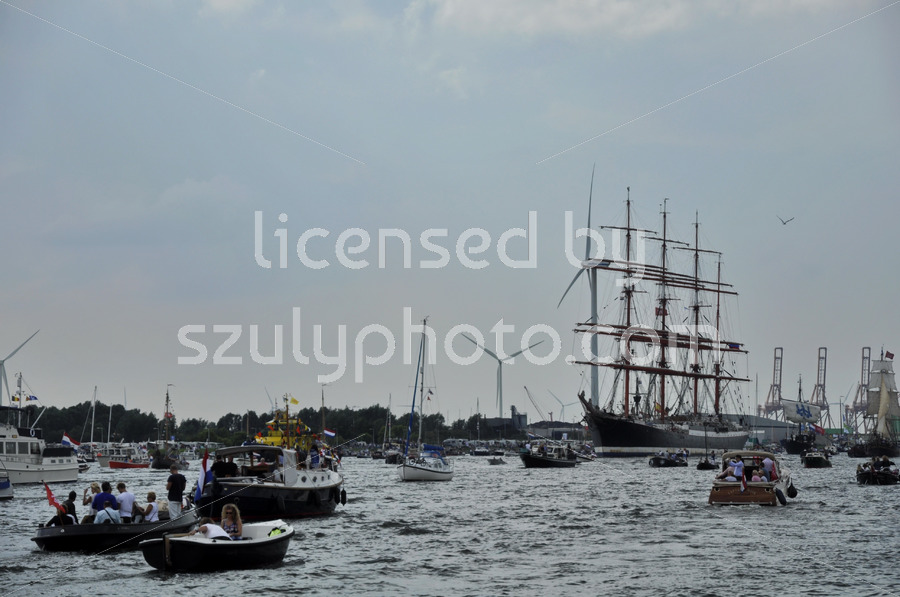 The Sedov tall ship among spectators - Adam Szuly Photography