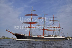 The Sedov under the blue sky - Adam Szuly Photography