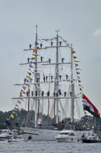 The Tarangini tall ship among spectators on the Ij river - Adam Szuly Photography