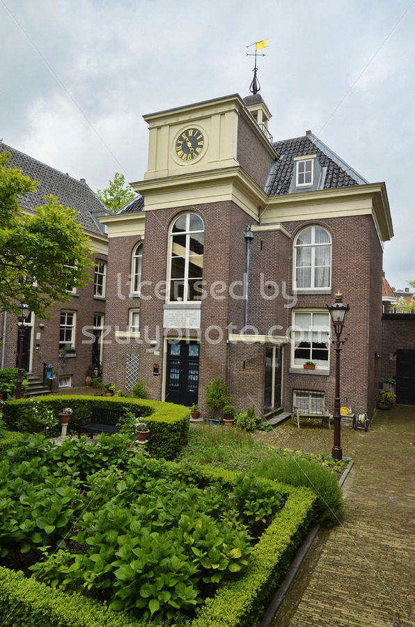 The Van Brienenhofje public garden on the Prinsengracht - Adam Szuly Photography