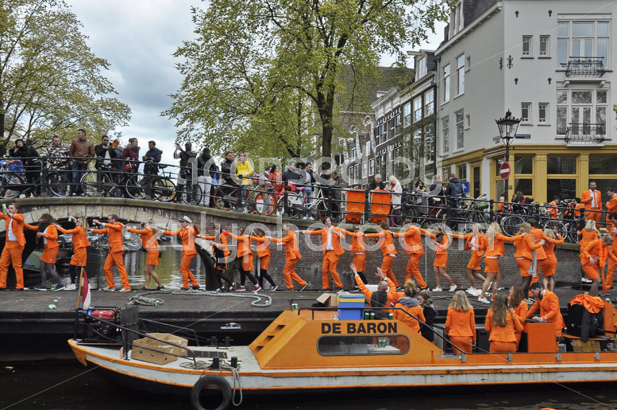The crew of the De Baron on the Prinsengracht - Adam Szuly Photography