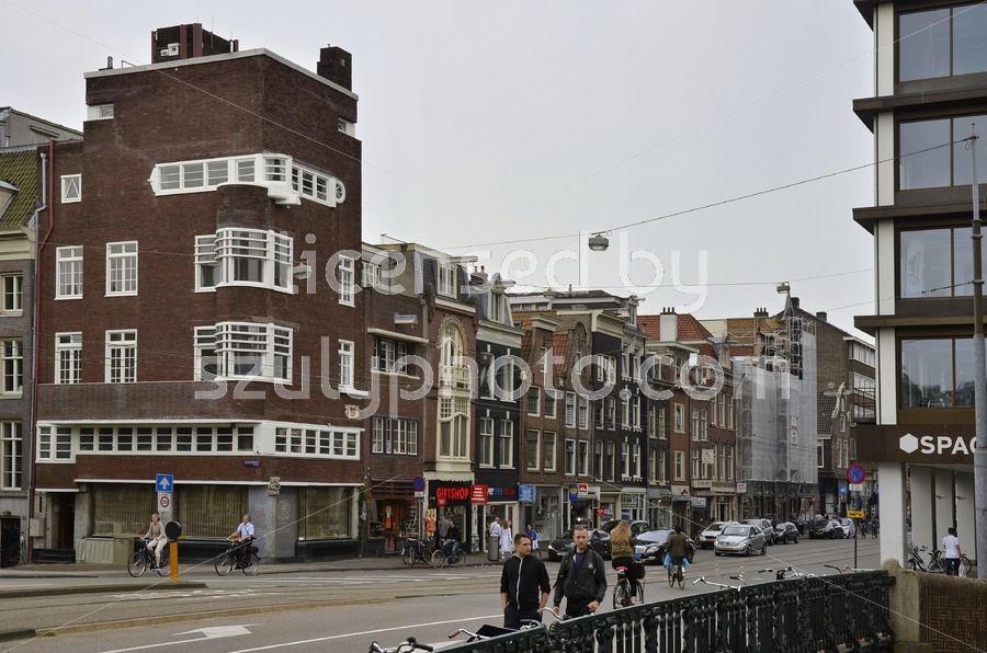 The pharmacy building on the Vijzelstraat - Adam Szuly Photography
