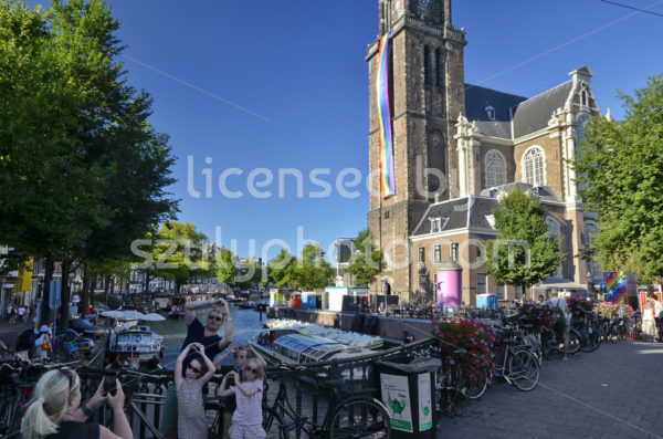 Tourists In front of the Westerkerk - Adam Szuly Photography