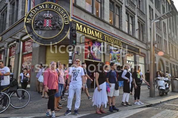 Tourists in front of the Madame Tussauds - Adam Szuly Photography