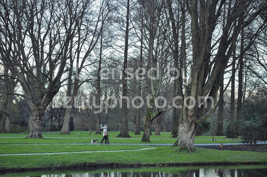 Visitors in the Beatrixpark - Adam Szuly Photography