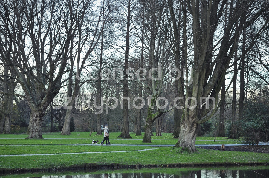 Visitors in the Beatrixpark - Adam Szuly Photography