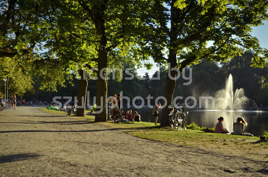 Vondelpark path - Adam Szuly Photography